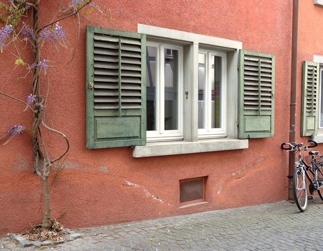 http://sarah-strassmann-fotografie.de/files/gimgs/th-11_Konradigasse_90x70_gesch_td.jpg