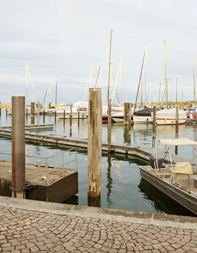 http://sarah-strassmann-fotografie.de/files/gimgs/th-11_Yachthafen_70x90_gesch_td.jpg